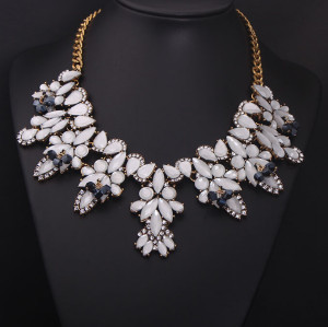 N-5039 European Style Crystal Gemstone Statement Necklace Flower Leaves Rhinestone New In Goods