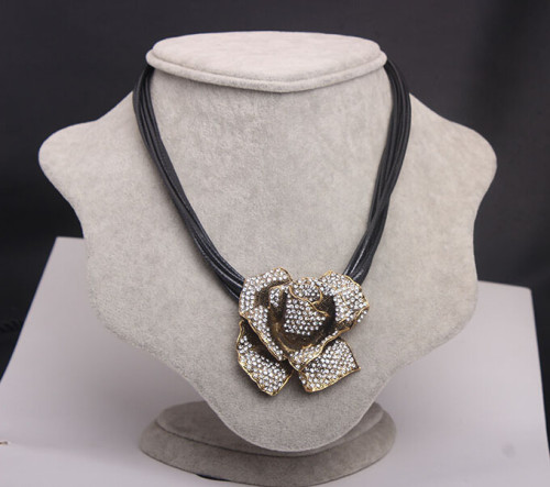 N-5024  Bohemian Style Multilayer Black Chain Clear Rhinestone Rose Flower Pendant Necklace