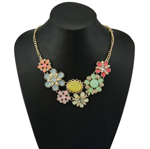 N-5062  Gold Plated Chain Acrylic Gemstone Rhinestone Flower Leaves Choker Necklace