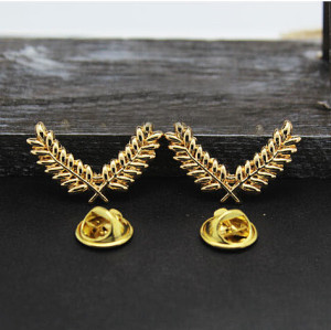 P-0130  European Style Gold Plated Alloy Leaves Collar Pin Brooch