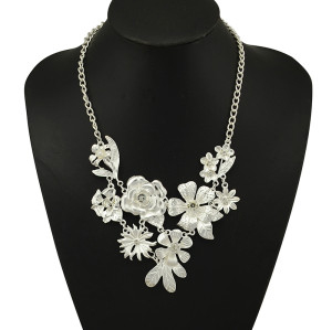 N-5089  New Fashion Style Silver Gold Plated Rhinestone Crystal Leaves Flower Statement Necklace