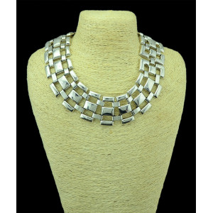 N-5105  Europe Simple Silver Mental Square Short Collar  Necklace