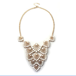 N-5135  Korean fashion  gold plated link chain fan shape white/black  bead statement necklace