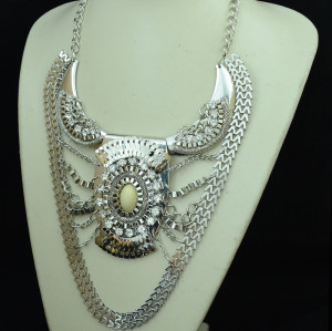 N-5160  European 3 Colors Crystal Acrylic Gem Snake Chain Big Style Statement Necklace