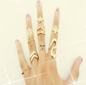 R-1140  Korea Style Gold Plated Rhinestone Clover Lace Crystal Ring Tail Joints Jewelry Set