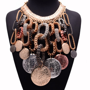 N-5202  European style gold snake chain round circle tassel metal big round coin pendant statement collar necklace