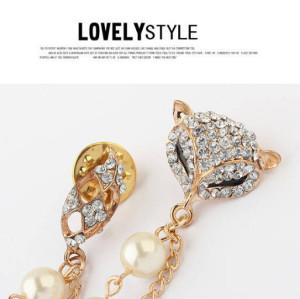 Korea style gold plated  alloy fox pearl chain rhinestone pin collar brooch