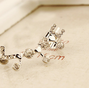 E-3204 Korean style silver plated rhinestone carving LOVE letter left ear cuff on earrings clip accessories