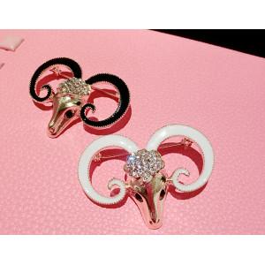 P-0162 Korean style chinese sheep animal  alloy rhinestone white/black 2 colors  pin brooch