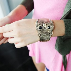 Fashion Style Rose Gold Plated Glazed Owl Bangle B-0082