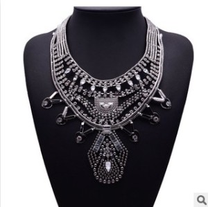 N-5393 European and American exaggeration luxury fashion diamond clavicle chain pendant flower statement necklace