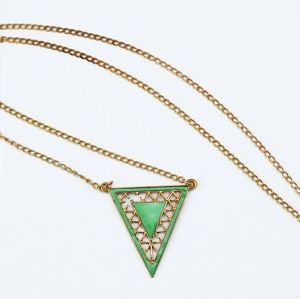 New Gold Plated Alloy Hollow Out Enamel Triangle Pendant Necklace N-4501