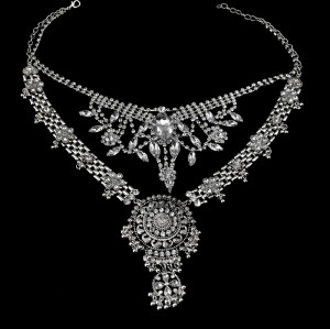 N-5490 New Design Gypsy Exaggerate Rhinestone Leaves Necklace Vintage Jewelry Gold Silver Chain Big Acrylic Flower Pendant Statement Choker Necklace