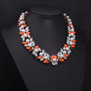 N-3935 New Vintage Z*A Style Antique Gold Plated  Alloy White Pearl Flower Rhinestone Colorful  Crystal Statement Choker Necklace