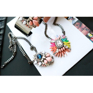 N-3050 Fashion Accessories Shining Crystal Flower Pendant  Necklace