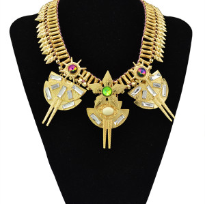 N-5514 New Design Luxury Big Statement Fashion Western Women's Punk Style Crystal Flower Metal Rivets Golden Chain Choker Necklace