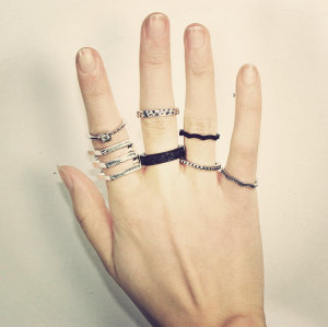 R-1226 korea Punk  Fashion Retro Exaggerated Hollow Out Dimond KNUCKLE RING