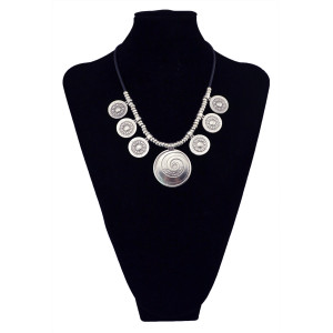 N-5616 Bohemian Summer Style Vintage Silver Plated Big Flower Round Pendant Black Leather Chain Statement Necklace For Women