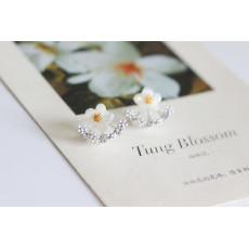 E-3547 New European Korean Fashion Popular Shell Flower Crystal Silver Plated Ear Stud  Earrings