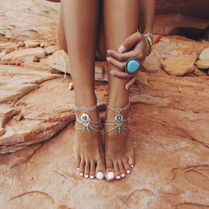 B-0570 New Arrival Summer Ankle Bracelet Bohemian Foot Jewelry Turquoise Beads Carving Flower Anklets for Women Jewelry Gift