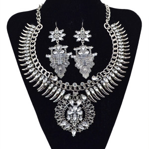 N-5828 New Design European Fashion  Luxury  Silver  Gold  Plated Crystal Statement Necklace Jewelry Set