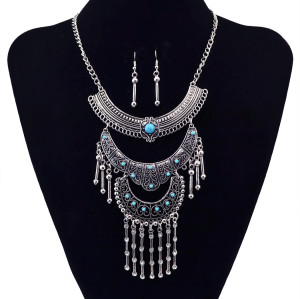N-5839 Bohemian Turquoise Bead Rhinestone Silver Moon Shape Tassel Pendant Necklace Earrings Women Jewelry Set
