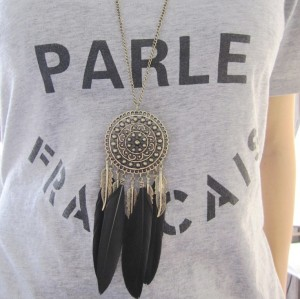 N-5921  Fashion Lady Vintage Bronze Plated Leaf Tassel Black Feather Necklace Long Hollow Flower Pendant Jewelry for Women