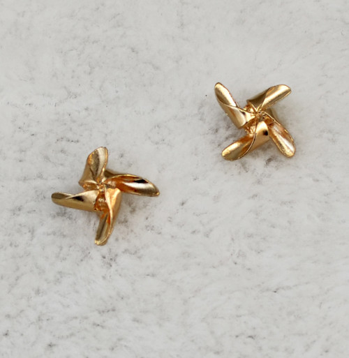 P-0310  2016 Fashion style gold plated cute tiny windmill shape collar brooch pin