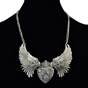 N-6116 Korea Fashion Silver Plated Angel and Heart Shape Clear Crystal Pendant Necklace for Women Jewelry