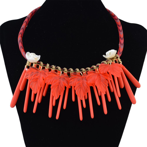 N-6225  Handmade Boho Style 3 Colors Option Resin  Beads Choke Fashion Pendant Statement Necklace Carved Flowers and Leaves Rope Chain Necklace