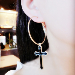E-3826 Korean Fashion Gold Plated Black Crose shape Asymmetric Earring Exaggerated Stud Earrings for Women Jewelry