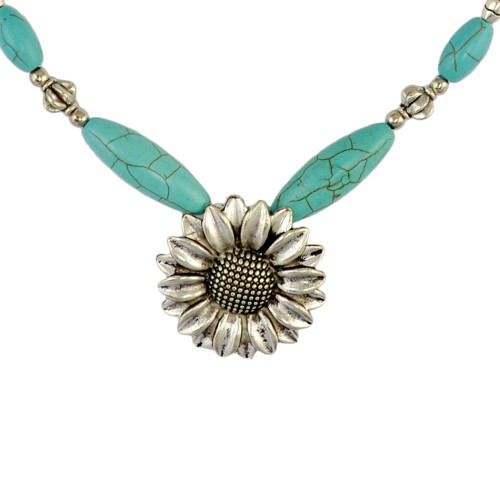 N-6330 Fashion  Boho Silver Plated Chain Turquoise  Stone Beads Charm Neckalce with Round Flower Pendant Choker Bib Necklace for Women