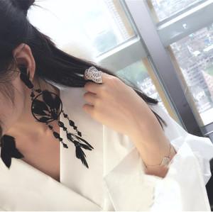 E-3831 Fashion Black Long Tassel Feather Round Shape Black Resin Beads Earring Dangle Earrings for Women &Girl 's Jewelry