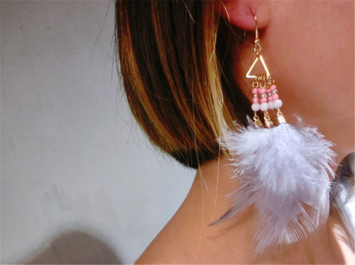 E-3835 Fashion Gold Plated Long Tassel Feather Resin Beads Dangle Earrings for Women &Girl 's Jewelry