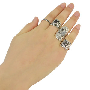 R-1392 Fashion Carving Crystal Joint Knuckle Nail Ring Set of 4 Rings