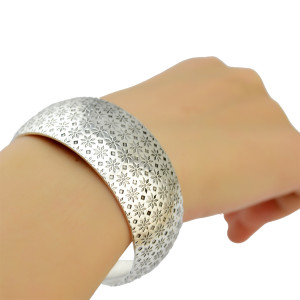 B-0787 Vintage Silver Plated Caving Bangle Wide Cuff Bracelet can be Adjustable