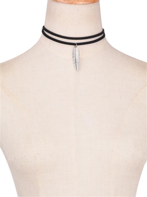 N-6413 Korean Fashion Black Velvet Rope Leaf Pendant Choker Necklace Jewelry