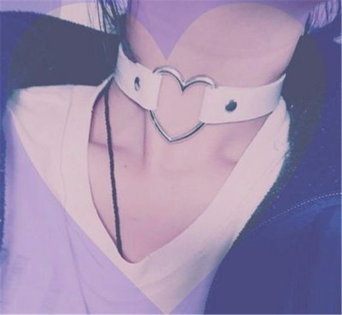 N-6451 Punk PU Leather Heart Pendant Gothic Necklace Choker for Women
