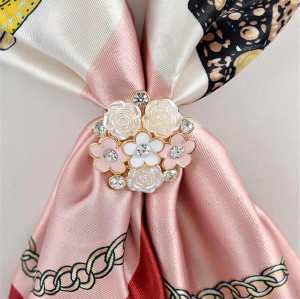P-0345 Sunshine Blooming 6 Flower Design Rhinestones Crystal Scarf Buckle Brooch for Women Girl 2 Colors