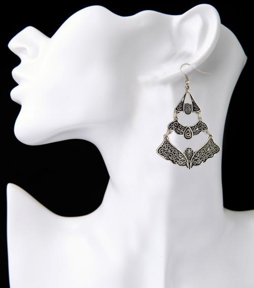 E-3933 Europen Retro Earrings Butterfly Shape Long Drop Dangle Earring for Women 2 Colors
