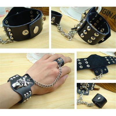 B-0829 Fashion Leather Balck White Punk Personality Skull Rivet Adjustable Cuff Bangle Bracelet with Finger Ring Unisex Bracelets
