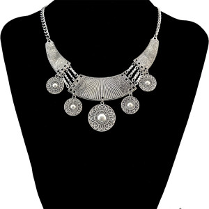 N-6585 Bohemian Style Retro Tibatan Silver Plated Alloy Carved Flower Round Plates Tassel Choker Bib Necklaces Trendy Ethnic Boho Women Accessory