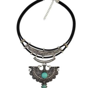 N-6618 Fashion Bohemian Black Leather Chain Wolf Teeth Shape Pendant Necklace  Adjustable Chain Necklace for Women Jewelry