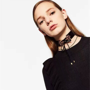N-6654 2 Pcs/Set Fashion Black Khaki Velvet Chain Crystal Rhinestone Flower Shape Bow Knot Choker Short Clavicle Necklace Women & Girls Jewelry