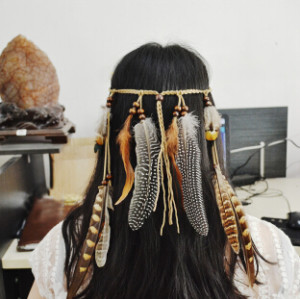 F-0431 Handmade Leather Rope Brown Feather Headbands Wood Beads Boho Hair Accessories Fashion Jewelry