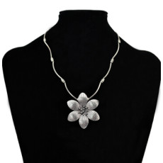 N-6891 3 style New Fashion Silver Plated Butterfly Leaf Flower Shaped Choker Necklace Women Fashion Jewelry