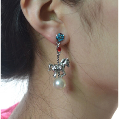 E-4207 2 Colors Animal Diamante Pearl Pendant Ear Stud Earrings for Women Charm Jewelry