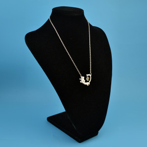 N-3319   Vintage Silver Plated Cat Crystal  Long Chain  Pendant Necklace