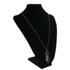 N-0128 Retro Vintage Leaf Pendant Necklaces for Women Ladies Party Anniversary Jewelry Gift