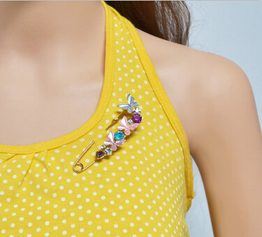 P-0394 3 Colors Rhinestone Gold Metal Butterfly Shape Brooches for Women Girl Party Scarf Jewelry
